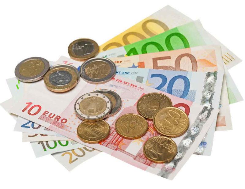 Prestiti per lavoratori stagionali - immagine con banconote in euro